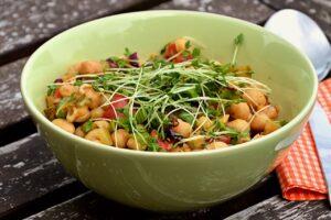 豆苗(とうみょう)は栄養抜群でリーズナブル!簡単レシピを紹介!
